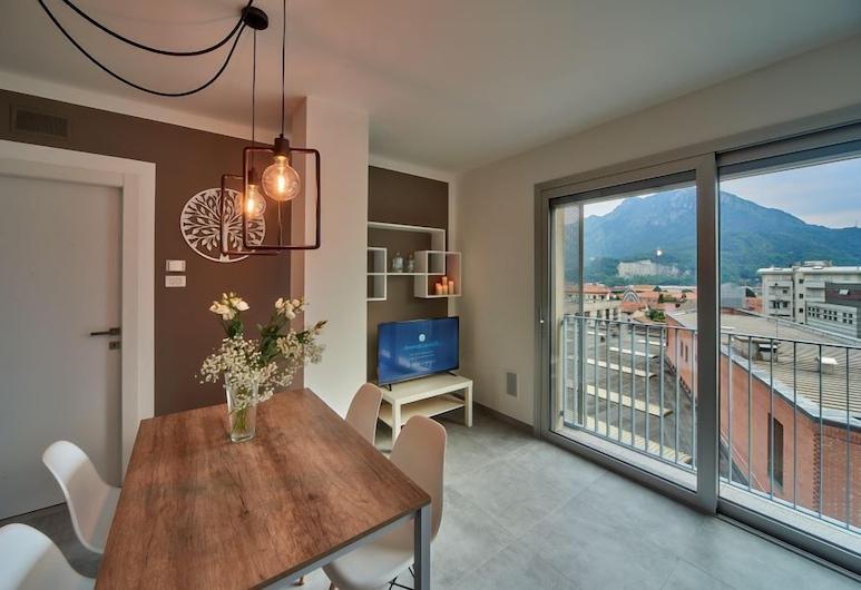 Le Luci, Lecco, Comfort-huoneisto, 1 parisänky ja vuodesohva, Oleskelualue