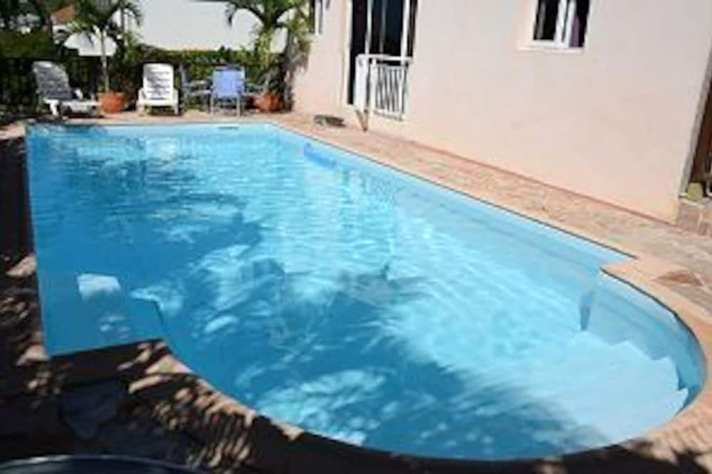 Apartment With 2 Bedrooms in Schoelcher, With Wonderful sea View, Shared Pool, Furnished Terrace