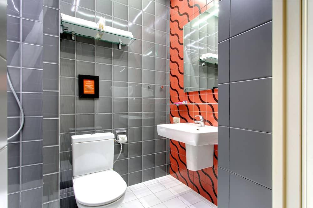 Comfort Double Room, 1 Queen Bed with Sofa bed, Balcony, Garden View - Bathroom