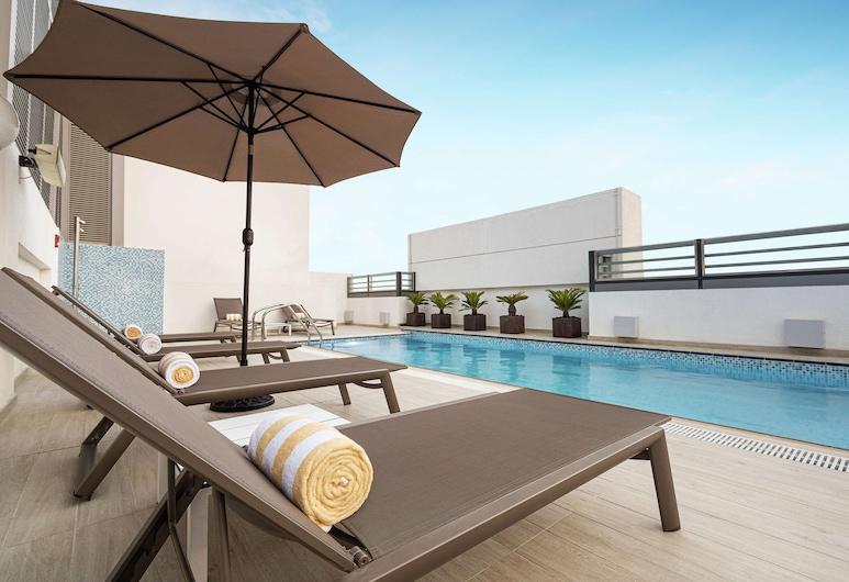 杜拜阿爾巴夏希爾頓歡朋飯店, 杜拜