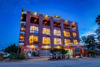Фото Inle Strand Hotel у місті Ньяунгшве