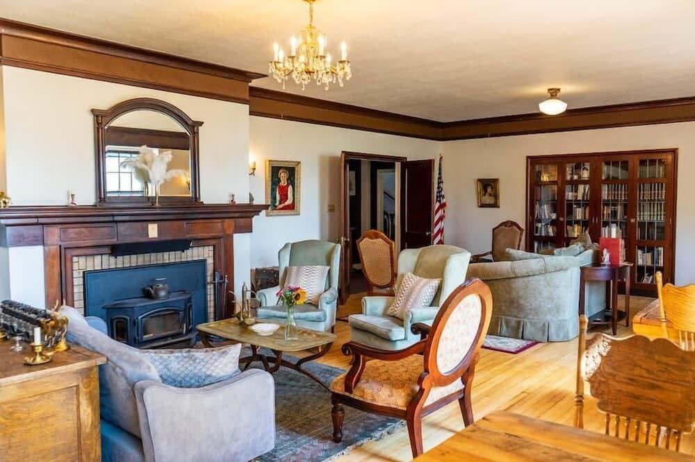 Suite, 4 kamar tidur - Ruang Keluarga