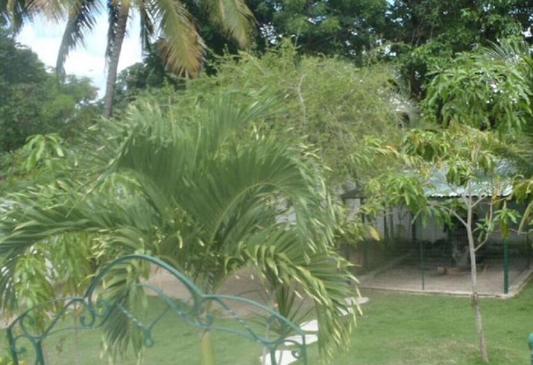 Hostal Haydee, Las Tunas, Garden