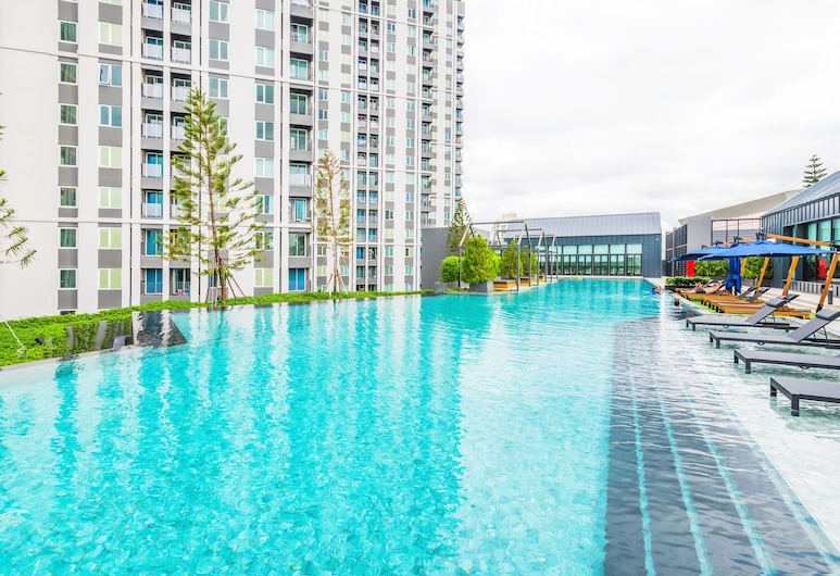 Chapter One ECO Ratchada Huaikwang by Favstay, Bangkok, Outdoor Pool