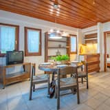 Traditional Villa, 2 Bedrooms (A2) - Living Area