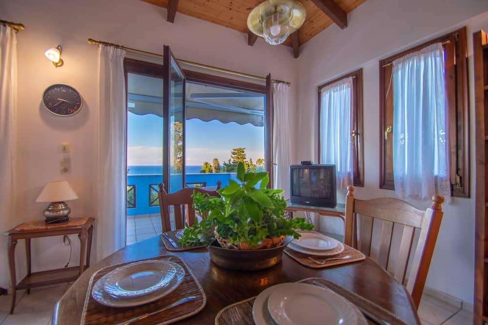 Traditional Villa, 2 Bedrooms (A2) - Balcony