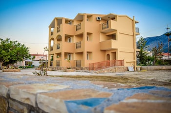 Picture of Salt Lake Apartments in Zakynthos
