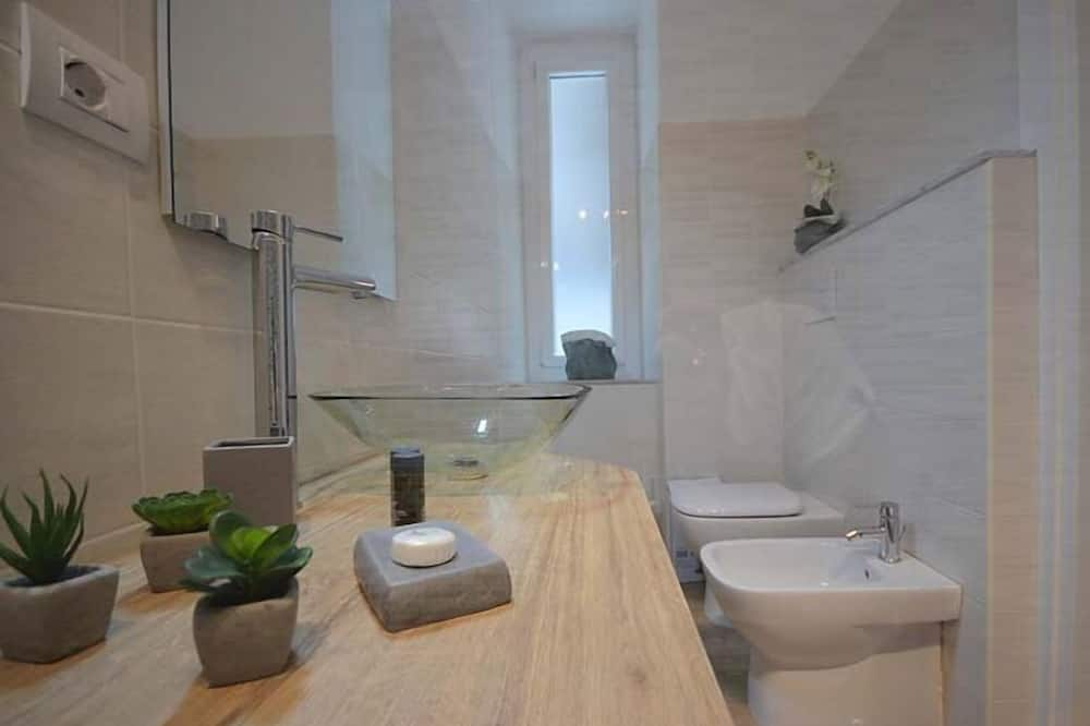 Δίκλινο Δωμάτιο (Double), 1 Queen Κρεβάτι, Βεράντα - Μπάνιο