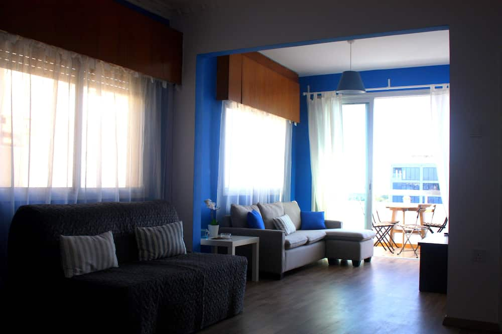 Apartment, 2 Bedrooms, Sea View (Panoramic Blue) - Living Area