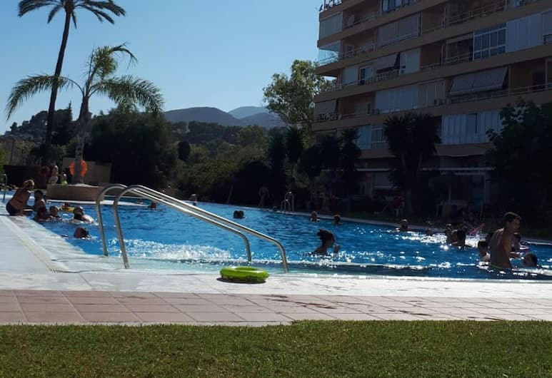 Studio in Torremolinos, With Pool Access and Enclosed Garden - 500 m From the Beach, Torremolinos, Pool