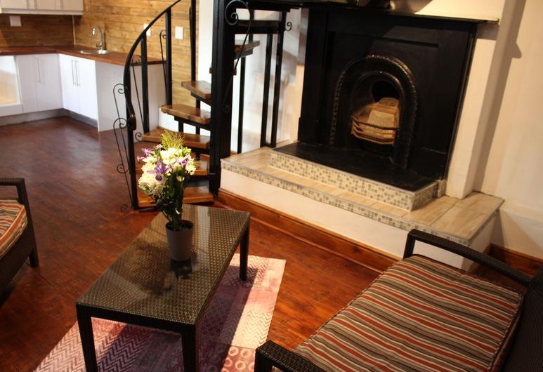 Sapphire Boutique Guest House, Cape Town, Premium Suite, Living Area
