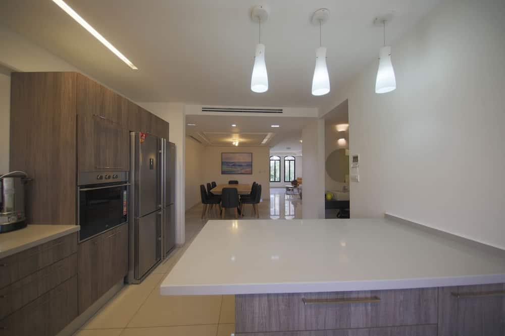 Villa, 4 habitaciones - Servicio de comidas en la habitación