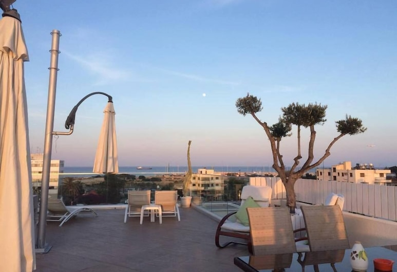 Mesogios House Suites , Larnaca, Terrace/Patio
