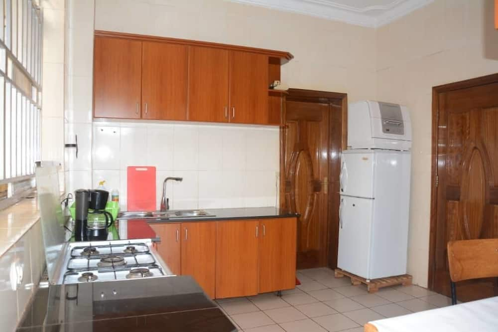 Standard Double Room, 1 Double Bed, Non Smoking - Shared kitchen