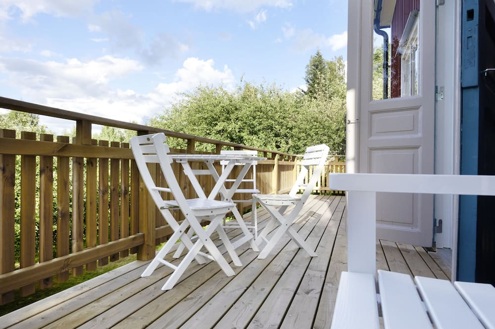 Garden Cottage, 3 Double Bedrooms - Terrace/Patio