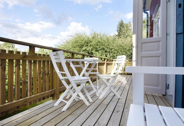 Red Haven Cottage, Edsbruk, Garden Cottage, 3 Double Bedrooms, Terrasse/Patio