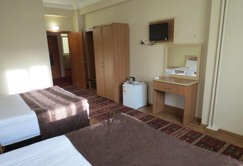 Birlik Sahin Hotel, Agri, Triple Room, Guest Room