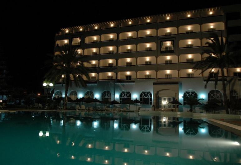فندق رويال جنين, سوسة, واجهة الفندق - مساءً /ليلا