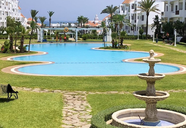 Apartment With 2 Bedrooms in Cabo Negro, With Enclosed Garden - 300 m From the Beach, Мдик