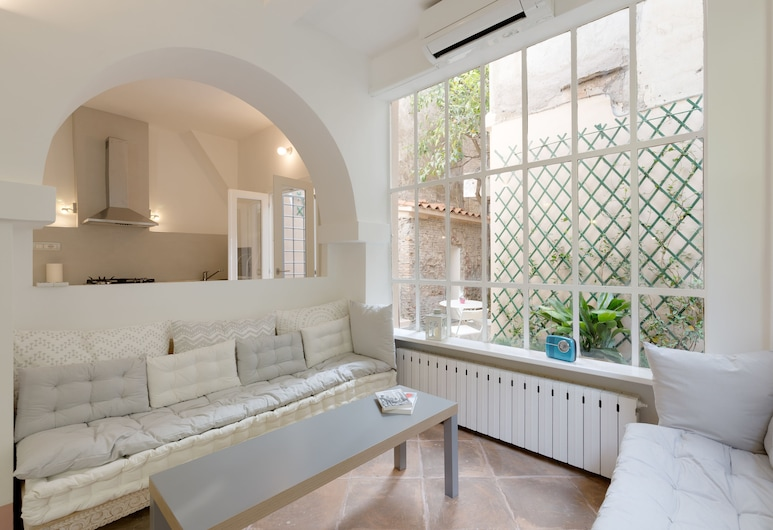 Rome as you feel - Loft Garden at Colosseum, Rome, Apartment, 1 Bedroom, Living Area