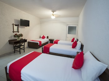 Picture of OYO Hotel El Angel in Leon