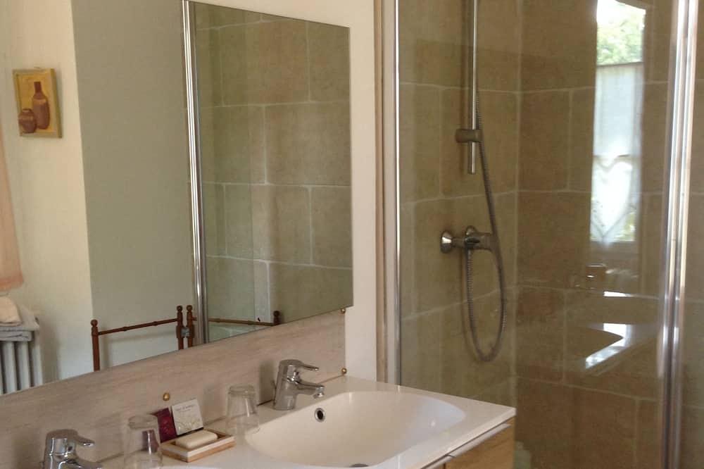 Suite (L'Arlesienne) - Bathroom
