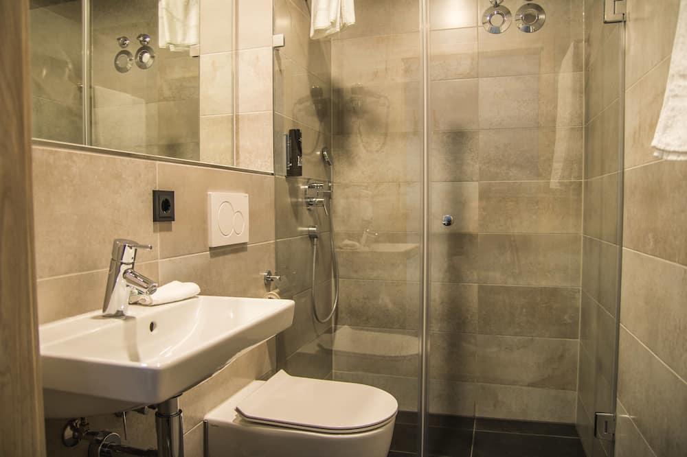 Enkeltværelse - balkon - Badeværelse