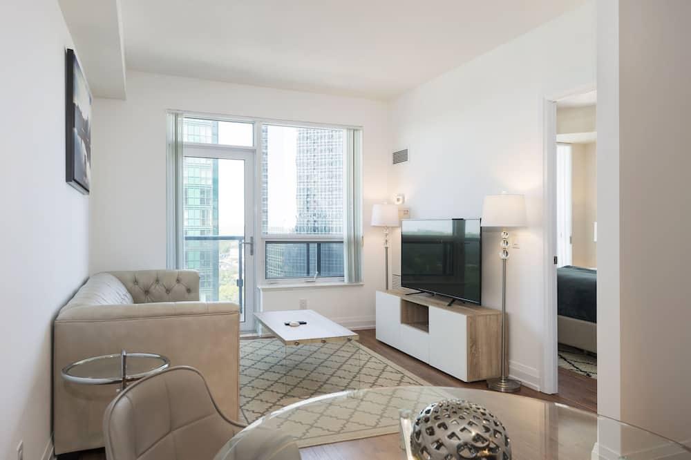 Luxury Condo, 1 Bedroom, Kitchen, City View - Living Area