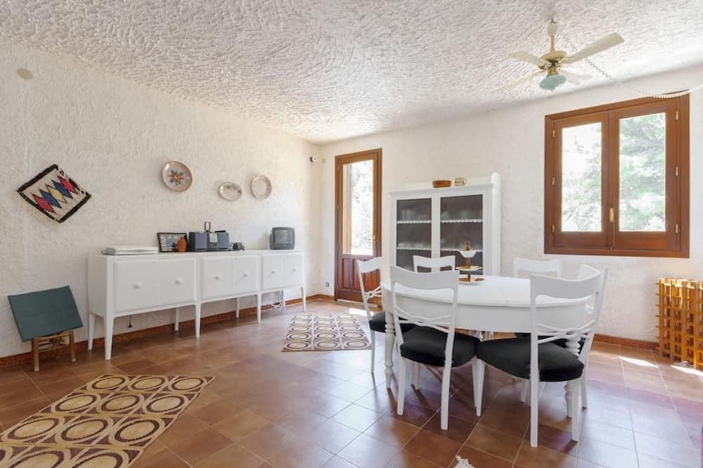 Comfort House, Courtyard View - Ruang Tamu