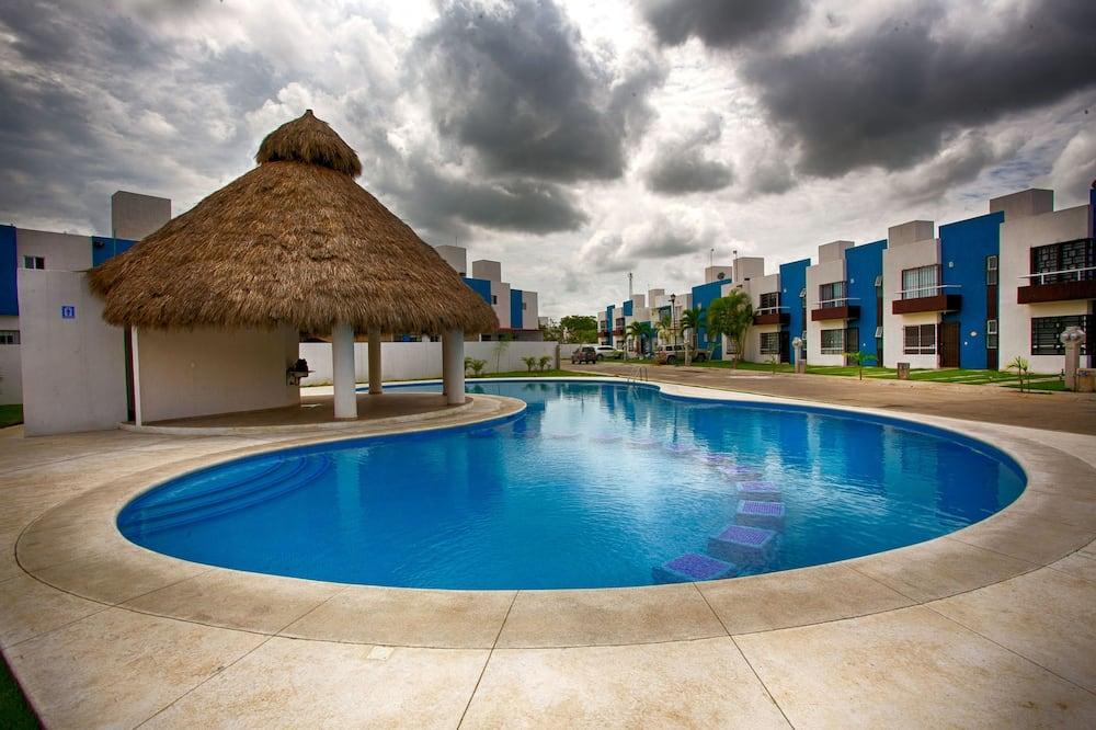 Ev, 2 Yatak Odası - Açık Yüzme Havuzu