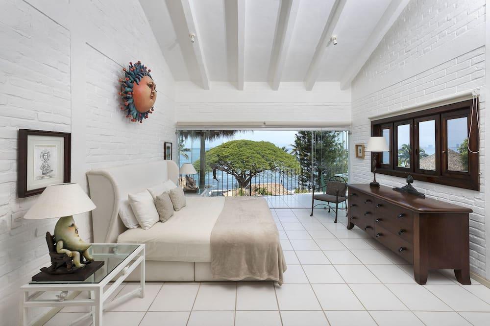 Casa Galeria by Sergio Bustamante, Puerto Vallarta
