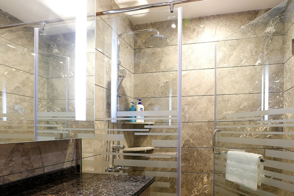 One-Bedroom Suite (Free Shuttle in Canton Fair) - Bathroom