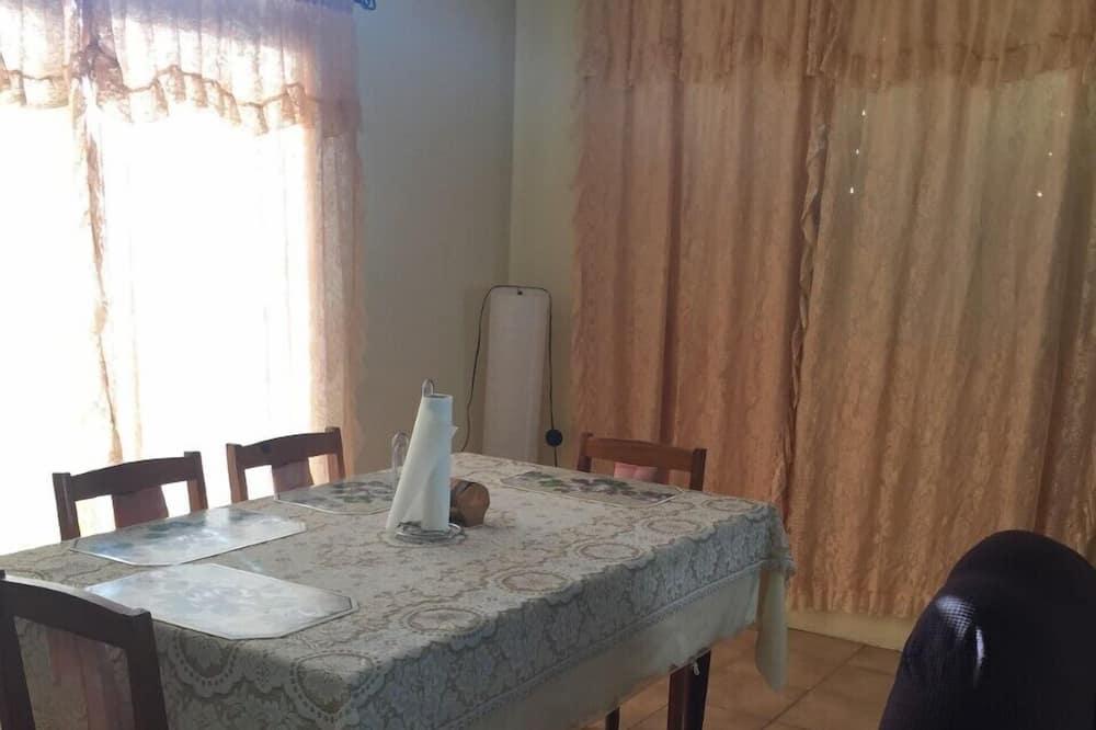 Family Apart Daire - Oturma Odası