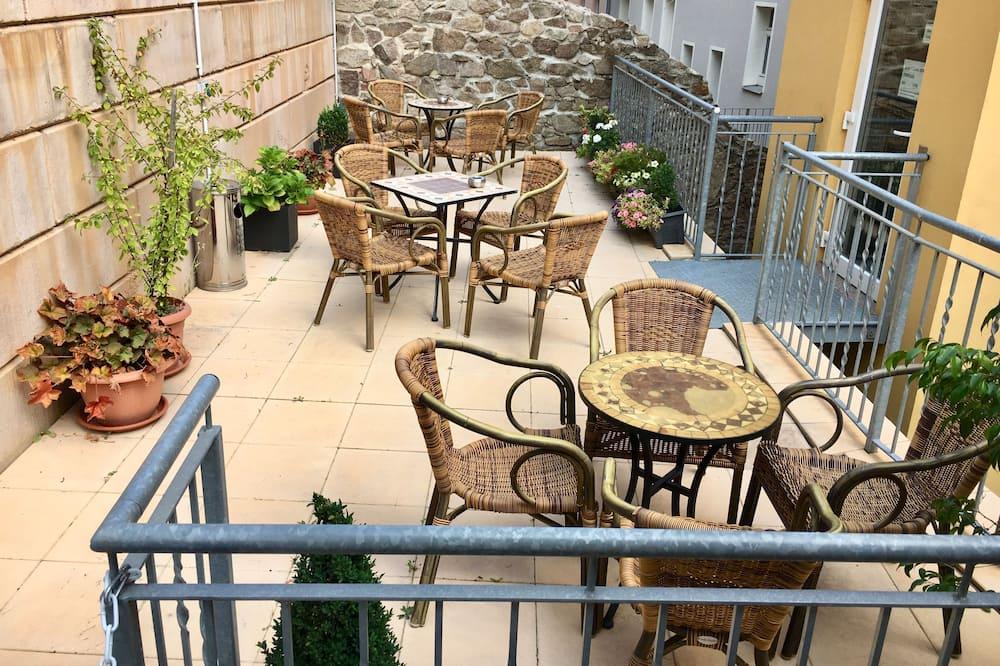 Апартаменти, 2 спальні - Тераса/внутрішній дворик