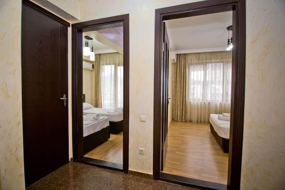 Suite, Varias camas (402) - Habitación