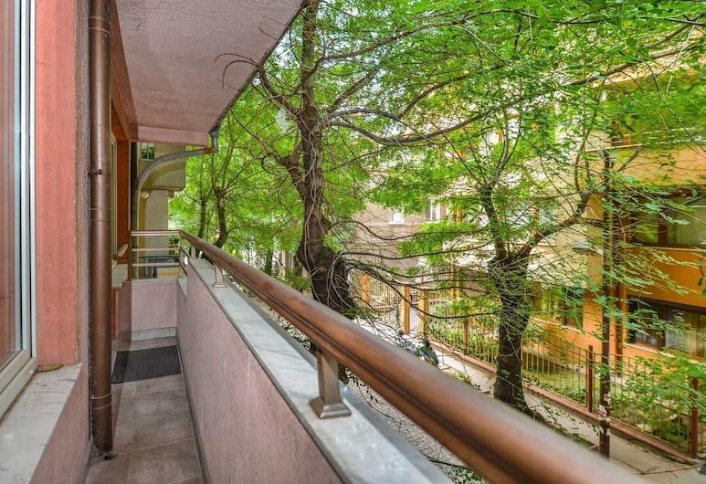 FM Premium 1-BDR Apartment - Cool & Cozy, Sofia, Balcony