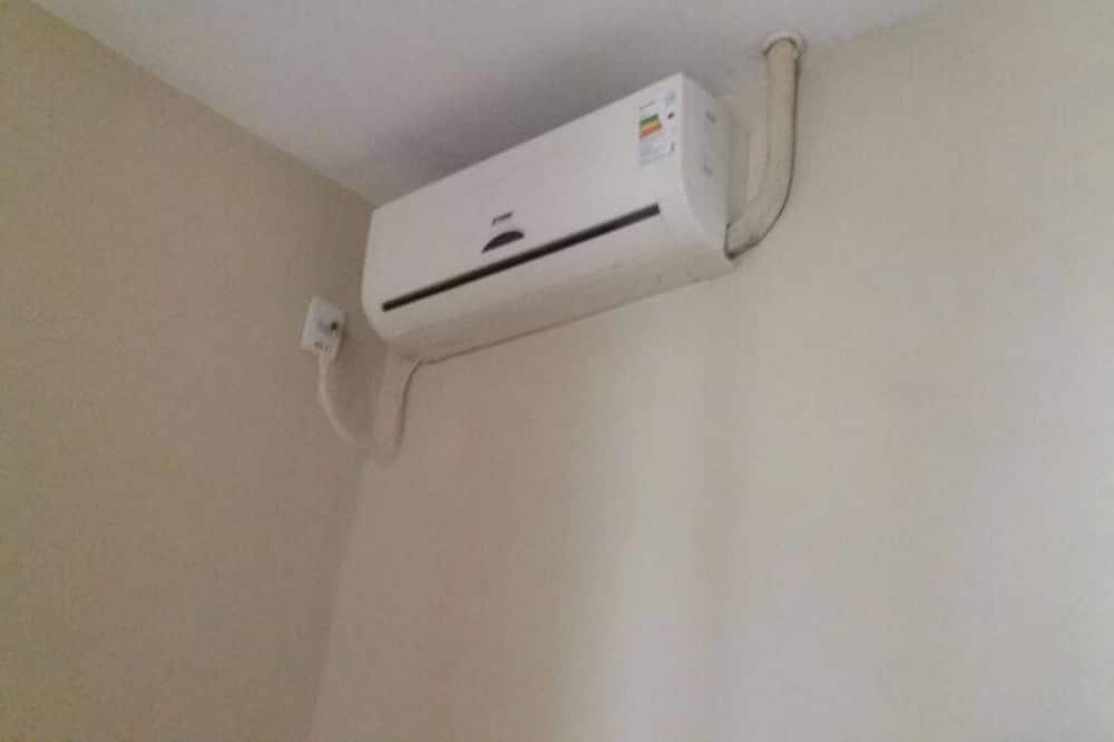 غرفة ثلاثية - تكييف هواء
