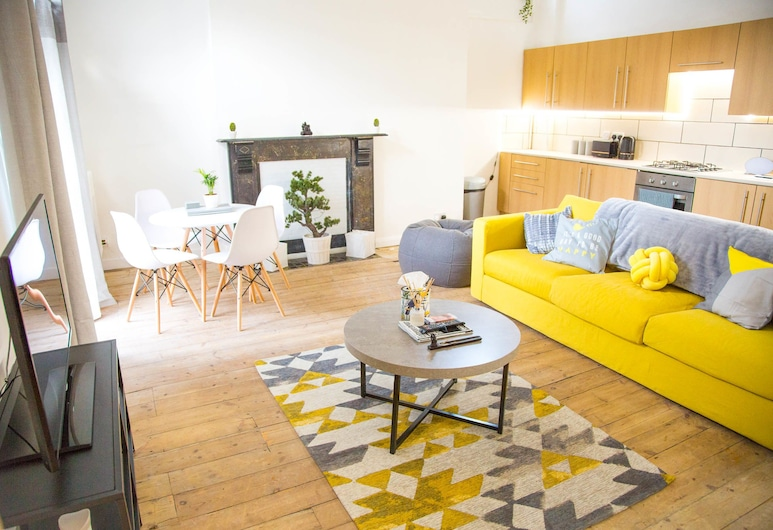 Spacious Two Bed in Hackney, London