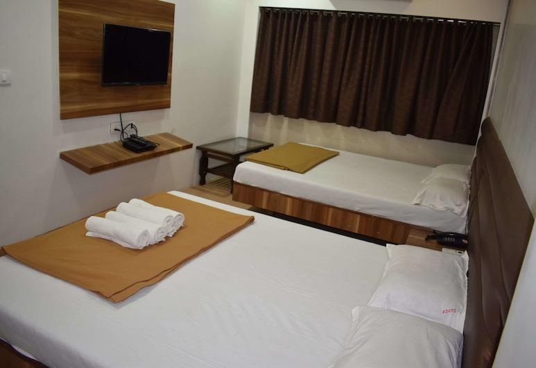 Hotel Aditi International, Mumbai, Family Quadruple Room, Guest Room