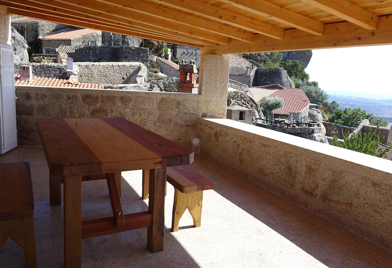 Casas da Villa- Monsanto, Idanha-a-Nova, Panorama-byhus - 1 soveværelse - balkon - bjergudsigt, Altan