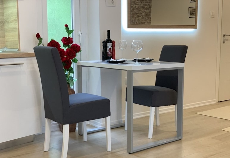Mostar Story apartments, Mostar, Departamento Confort, balcón, Servicio de comidas en la habitación