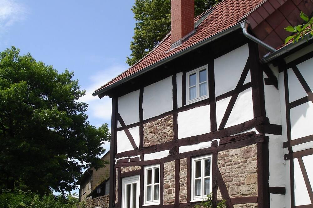 Townhouse Romantis, 2 kamar tidur, pemandangan kota - Foto Unggulan