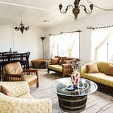 Traditional House, 3 Bedrooms, Mountain View (Casa Tempranillo) - Living Room
