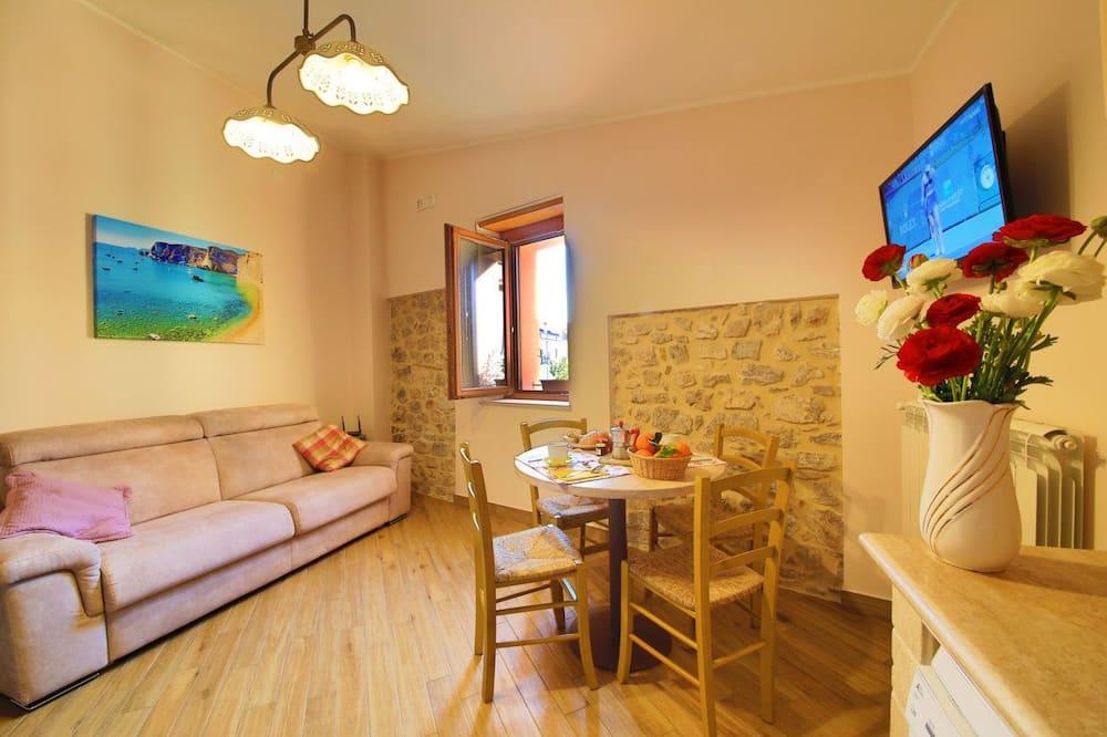 House (Porta Roma) - Living Area