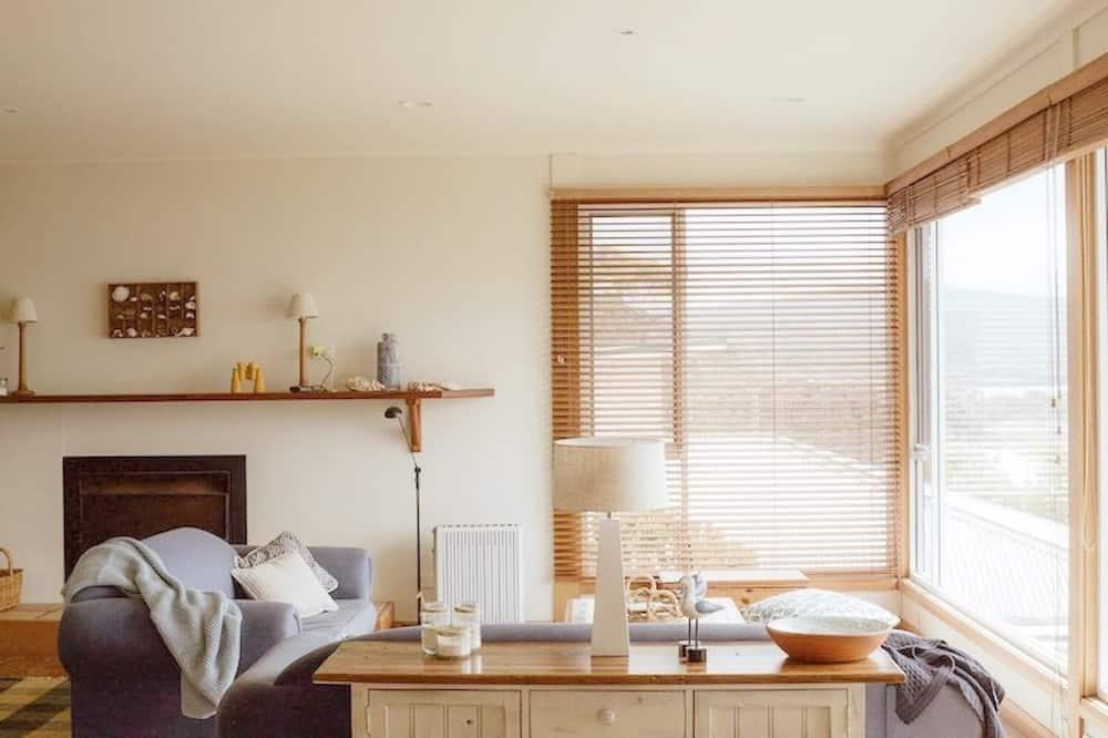 Ev, 4 Yatak Odası - Oturma Alanı