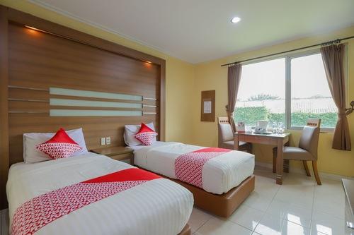Book Oyo 918 Hotel Senen Indah In Jakarta Hotels Com