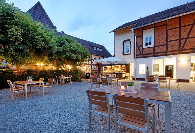 Landhaus Biewald - Hotel & Restaurant, Friedland, Terrace/Patio