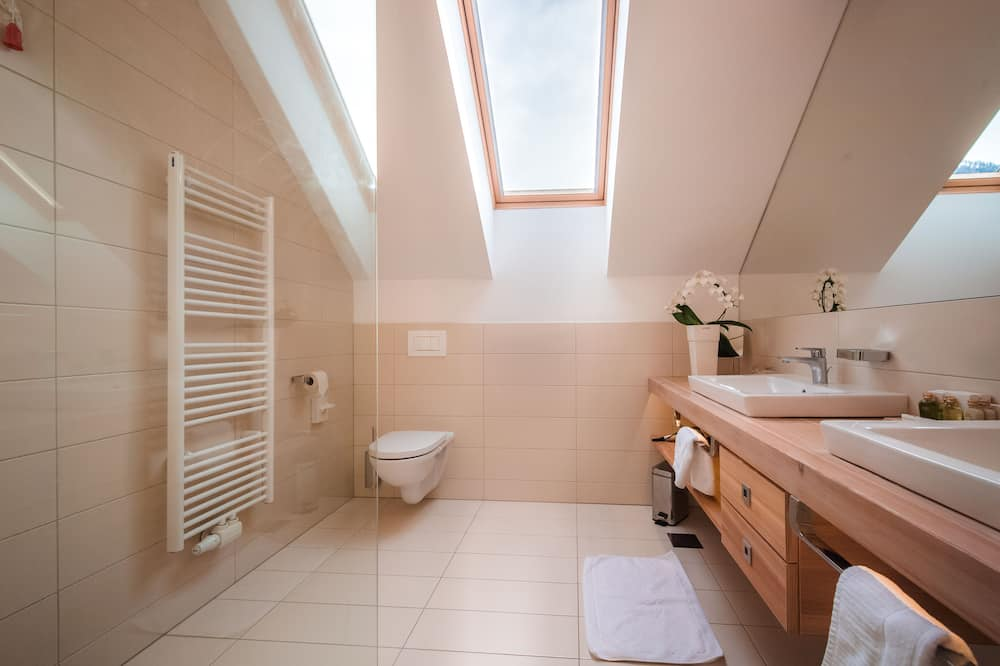 Standardværelse med 2 enkeltsenge - 2 enkeltsenge - bjergudsigt - Badeværelse