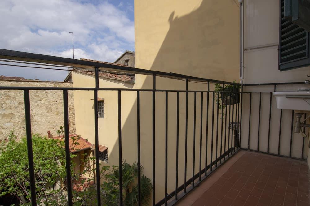 Apartman u centru, 1 spavaća soba, terasa, pogled na grad - Balkon