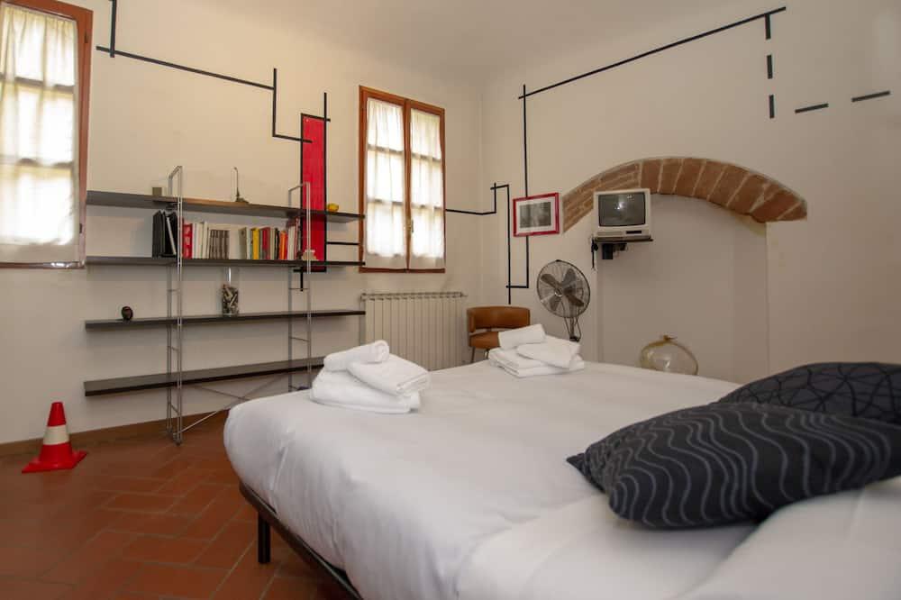 Apartman u centru, 1 spavaća soba, terasa, pogled na grad - Soba